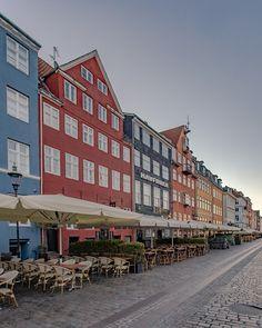 Empty Nyhavn by KOBLUA #ErnstStrasser #Dänemark #Denmark Empty, Multi Story Building