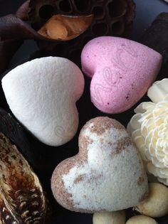SALE SIX Handmade Aromatherapy Fizzy bath bombs by BlueAndCherry, £10.99