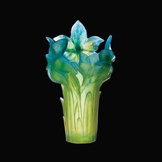 Daum Crystal Amaryllis Turquoise Vase Their vases by Daum are truly beautiful and made today. Blown Glass Art, Art Of Glass, Art Nouveau, Cristal Art, Art Du Monde, Crystal Vase, Glass Ceramic, Colored Glass, Fused Glass