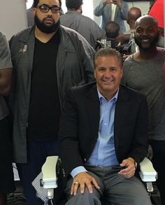 First home visit in a barbershop. Lot of arguing. Rose or Wall! Davis or Towns…
