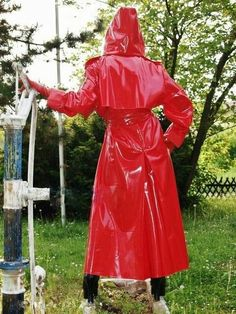 Red Raincoat, Raincoat Jacket, Plastic Raincoat, Hooded Cloak, Langer Mantel, Rain Wear, Unisex, Lady In Red, Rain Coats