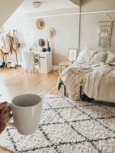 Credit to girls apartment, dream apartment, bedroom apartment, cute room ideas Dream Rooms, Dream Bedroom, Home Bedroom, Bedrooms, My New Room, My Room, Decor Room, Bedroom Decor, Home Decor