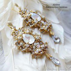 Members of Украшения Afalina. Bride Earrings, Lace Earrings, Lace Bracelet, Vintage Hairstyles, Beautiful Earrings, Earrings Handmade, Beaded Jewelry, Wedding Gifts, Brooch