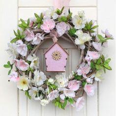 http://www.decofleur.com.pl/4596-thickbox/uroczy-wianek-z-kwiatami-jabloni.jpg
