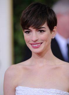 Anne Hathaway Photo - 70th Annual Golden Globe Awards