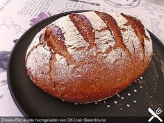 Bauernbrot, genial einfach Bauernbrot, ingeniously simple (recipe with picture) by Delphinella Meat Appetizers, Easy Appetizer Recipes, Yummy Snacks, Yummy Drinks, Pizza Recipes, Meat Recipes, Pain Artisanal, Calories In Vegetables, Cookies