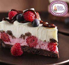 Direttamente dall'America l'ispirazione per un dolce al cucchiaio unico che ormai è diventato un must anche qui in Italia, parliamo della Cheesecake! L'abb