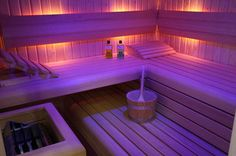 Saunas are now a favorite place for some people to relieve fatigue and fatigue after busy days. So, the weekend choice for them is a sauna to help them relax rather than just being and resting at home. Saunas, Sauna Seca, Spa Jacuzzi, Sauna Design, Finnish Sauna, Sauna Room, Spa Rooms, Home Spa, Cozy House
