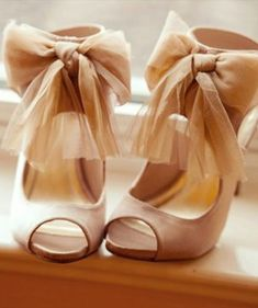 Adore these shoes! Would look adorable with a flouncy skirt. She is so Chic! :: Drama Heels:: Vintage Fashion:: Retro Style:: Heels with Chiffon Bow Straps-- In Love Zalando Shoes, Cute Shoes, Me Too Shoes, Zapatos Shoes, Shoe Closet, Crazy Shoes, Mode Style, Beautiful Shoes, Wedding Shoes