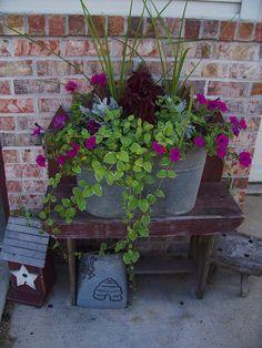55 Fresh Spring Garden Ideas for Front Yard and Backyard Landscaping - Diy Garden Decor İdeas Container Flowers, Container Plants, Container Gardening, Gardening Tools, Plant Containers, Gardening Vegetables, Gardening Gloves, Spring Garden, Lawn And Garden