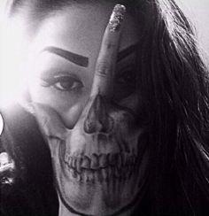 Models & Ink (Skull)