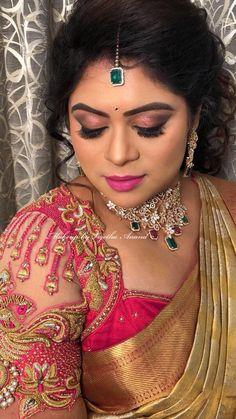 Trendy indian bridal makeup looks saree Ideas Bridal Eye Makeup, Indian Bridal Makeup, Bridal Makeup Looks, Silk Saree Blouse Designs, Bridal Blouse Designs, Blouse Designs Catalogue, Pink Smokey Eye, Wedding Makeup For Brunettes, Make Up Braut