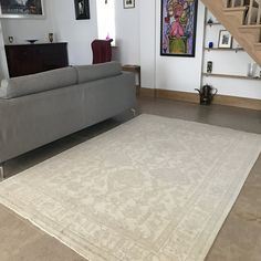 This is a handmade Farahan rug from our Traditional Rug collection. Made from wool and uses natural dyes. Afghan Rugs, Rug Company, Traditional Rugs, Living Room Inspiration, Beautiful Interiors, Rugs In Living Room, Afghanistan, Dyes, Wool