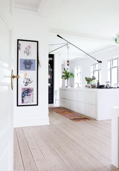 Bright kitchen built by KøkkenSnedkeren Cosy Kitchen, Kitchen Decor, Bright Kitchens, Home Kitchens, Kitchen Interior, Room Interior, Home Remodel Costs, House Inside, Simple House