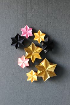 DIY - stars for Christmas - Lamb idea Origami Lamp, Origami Stars, Diy Origami, Origami Paper, Diy Paper, Paper Crafts, Oragami, 3d Paper Star, 3d Star