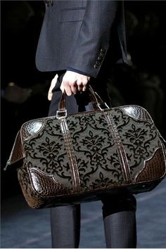Gucci - perfect travel bag for men