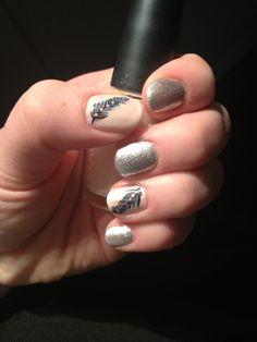 Feather nail art, DIY