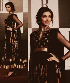 Deepika Padukone in a classy black gold glittered Anarkali. #DeepikaPadukone #BlackGoldAnarkali