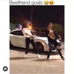 BFF Goals ♥️ I badly need a bestie this comfortable… crazy enough to forget the pain and hearty enough to make me feel alright… Cute Relationship Goals, Cute Relationships, Best Friend Goals, My Best Friend, Best Friend Things, Besties, Bestfriends, Kylie Jenner Fotos, Quotes About Moving On From Friends