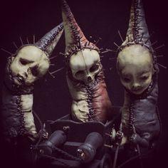 10 Morbid Sculptures Brimming with Death and Body Horror Creepy Images, Creepy Photos, Creepy Art, Creepy Dolls, Scary, Creepy Horror, Arte Horror, Horror Art, Horror Movies