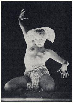 Metropolis Fritz Lang, Metropolis 1927, Great Sci Fi Movies, Vintage Photos Women, Scream Queens, Silent Film, Science Fiction, Horror, Print Ideas