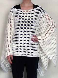 Striped Poncho for LaVette. Pattern from Crochet Spot Designed by Rachel Choi Crochet Poncho Patterns, Crochet Shawls And Wraps, Crochet Scarves, Crochet Clothes, Knitting Patterns, Shawl Patterns, Free Knitting, Knitted Shawls, Free Crochet