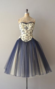 vintage 1950s tulle | http://best-beautiful-dress-collections.blogspot.com