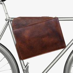 Meteor Bag w/ Strap - Brown | MONOQI #bestofdesign