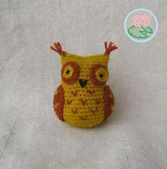 Free Pattern: Amigurumi Sophisticated Owl (© 2013 Toma Creations)