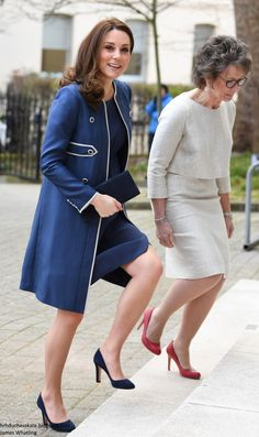 Feb The Duchess of Cambridge wore a bespoke Jenny Packham coat and dress with her navy Jimmy Choo Georgia pumps, her Stuart Weitzman Muse clutch, and her G Collins & Sons tanzanite pendant and earrings. Looks Kate Middleton, Estilo Kate Middleton, Kate Middleton Outfits, Diana Fashion, Royal Fashion, Jenny Packham, Duchess Kate, Duchess Of Cambridge, Queen Kate