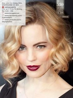 Bob hairstyle is never out of fashion. Loose waves.
