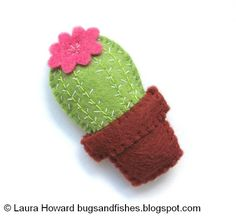 Free tutorial for sewing a mini felt cactus :) --- Bugs and Fishes by Lupin: How To: Make a Mini Felt Cactus