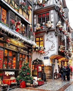 A real Christmas village - Petite Haus - Gallery - . - Architecture Designs - A real Christmas village – Petite House – Gallery – architectu - Christmas Feeling, Cozy Christmas, Christmas Time, Christmas Pajamas, Minimal Christmas, Modern Christmas, Christmas Travel, Christmas Candy, Beautiful Christmas