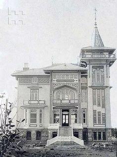 Turkish Architecture, City Architecture, Bauhaus Art, Historical Pictures, Istanbul Turkey, Architect Design, Big Ben, Facade, Taj Mahal