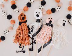 Halloween Yarn, Childrens Halloween Party, Halloween Dance, Pink Halloween, Halloween Festival, Halloween Gifts, Happy Halloween, Halloween Gift Baskets, Easy Halloween Decorations