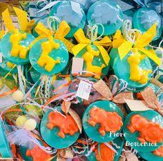Χειροποίητα αρωματικά σαπουνάκια ζωάκια της ζούγκλας Έξτρα αρωματικά σαπουνάκια σε σχήμα ζωάκια της ζούγκλας για μπομπονιέρες βάπτισης ή αναμνηστικά δωράκια.