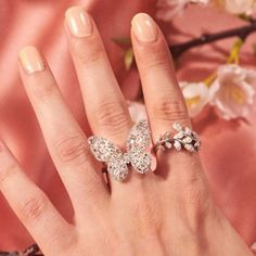 Sparkling styles inspired by the new season 🦋🌸✨ Item #: 924906, 840523 Trendy Jewelry, Jewelry Trends, Handmade Jewelry, Face Jewellery, Front Back Earrings, Mens Silver Rings, Midi Rings, Geometric Jewelry, Heart Ring