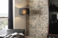 parete in pietre finte