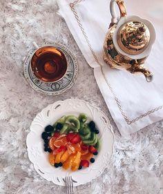 Πώς η Τατιάνα Στεφανίδου έχασε 4 κιλά σε 1 μήνα - www.olivemagazine.gr Beauty Hacks, Beauty Tips, Diet Recipes, Health Fitness, Food, Art, Diet, Art Background, Eten