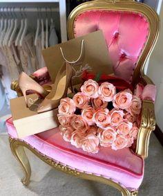 Cozy, Glam, and Romantic Bedroom Birthday Goals, Mom Birthday Gift, Teen Birthday, Princess Aesthetic, Pink Aesthetic, Flower Aesthetic, Spoiled Girlfriend, Couple Noir, Luxury Couple