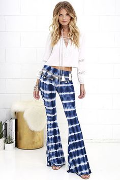 The beautiful Foxglove Fairy Blue Tie-Dye Flare Pants are on par with our favorite bell flowers! Lightweight jersey knit rayon, with a blue tie-dye print, begins at an elastic waist and travels effortlessly into wide-flaring pant legs. Belt not included.