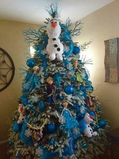 Frozen Christmas Tree not my pic, but a wonderful idea.
