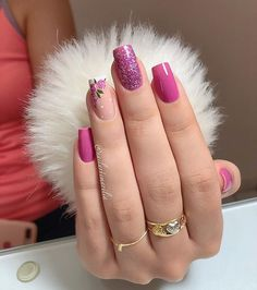 Semi-permanent varnish, false nails, patches: which manicure to choose? - My Nails Bright Summer Nails, Summer Acrylic Nails, Spring Nails, Autumn Nails, Manicure Colors, Nail Colors, Blue Nails, My Nails, Glitter Nails