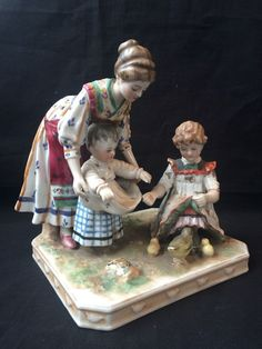 Antique porcelain German figurine : Mother and childs feeding the birds. #meissen #unknown