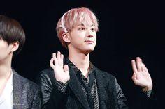 Jin ❤ BTS at the Bundang Fansign #BTS #방탄소년단