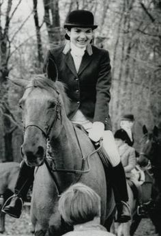 Jacqueline Kennedy Onassis  Nov. 25, 1976 --fox hunting- UPI.com