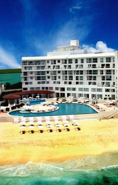 Bel Air Collection Resort and Spa Cancun Cancun This elegant design hotel offers an infinity pool overlooking Cancún Beach, a spa and gourmet restaurants. The spacious rooms offer views over the sea or Nichupté Lagoon.