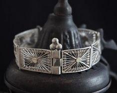 Bijoux Ethnique par GlobalAdornments sur Etsy Belt, Bracelets, Etsy, Accessories, Jewelry, Ethnic Jewelry, Objects, Belts, Waist Belts