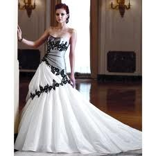 Black and White for the sleek and elegant bride