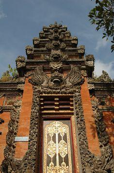 Ubud Temple Entrance (2000×3008)
